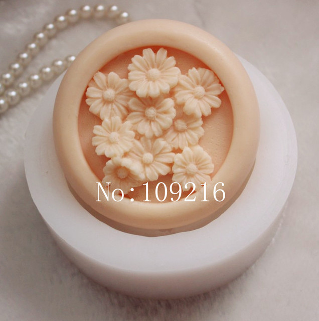 wholesale!!!1pcs Small Chrysanthemum (ZX83) Handmade Soap Mold Crafts DIY Silicone Mould