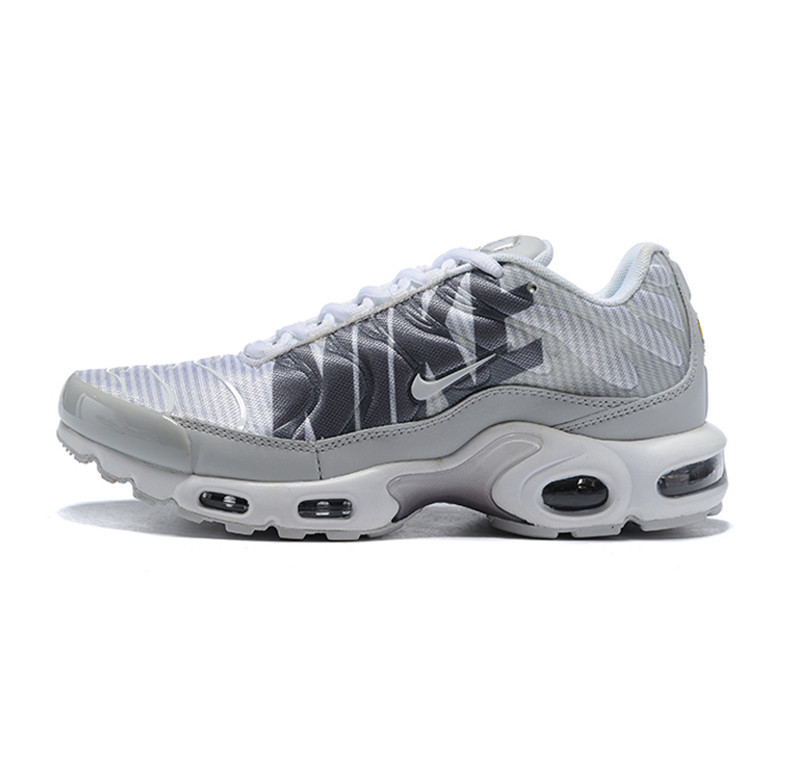quality design 16648 35e0c US $69.0 50% OFF|Nike Air Max Plus TN SE None Slip Men's Running  Shoes,Zapatillas Hombre Cushioning Sole Comfort Jogging Sneakers-in Running  Shoes ...