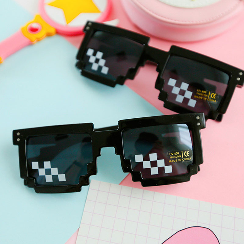 Thug Life Mosaic Pixel Glasses Around The World Sunglasses Men Women Party Retro Second Element Black Sun Glasses