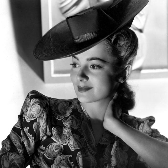 Olivia De Havilland Photo Print (8 x 10)