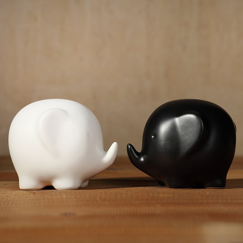 Small Elephant Decor: Creative Cute Small Black White Ceramic Elephant Home