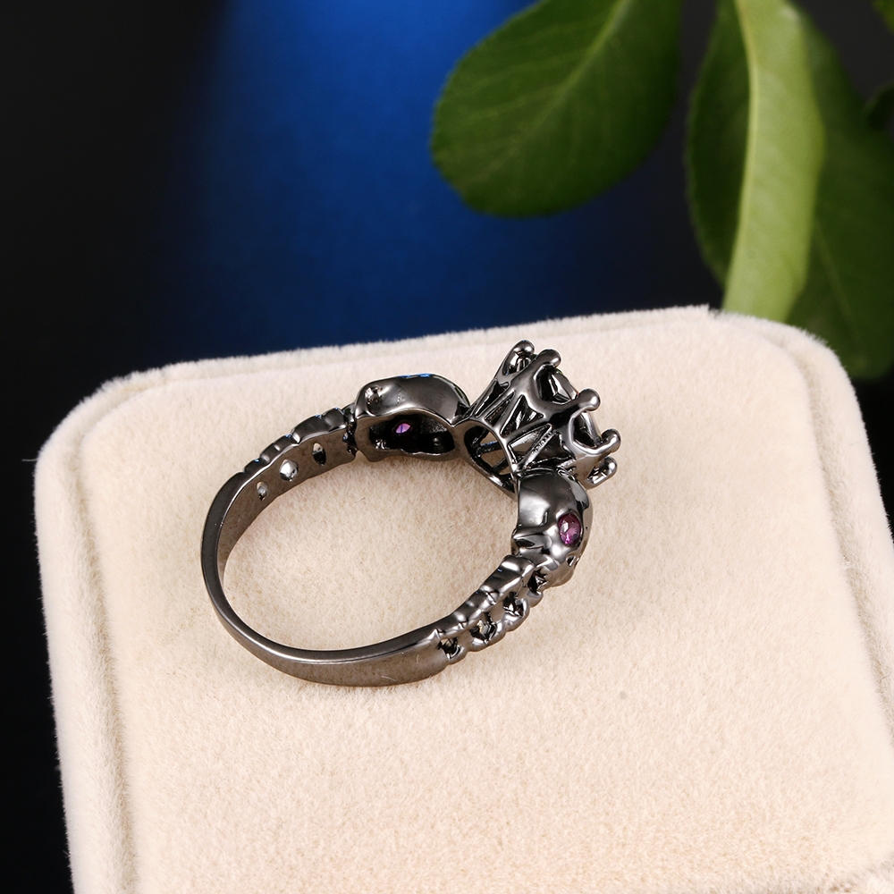 Cool Round Shape CZ Stone Black Punk Skull Promise Ring for Women Fashion Jewelry Rings Cosplay Halloween Gift