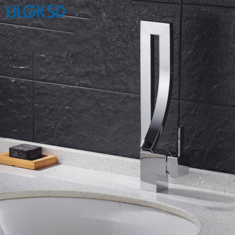 Wholesale and Retail Basin Faucet Solid brass Modern Design Spout Single handle para bathroom mixer water tap