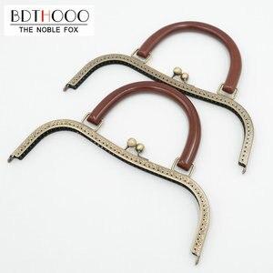 Image 1 - Bdthooo 27Cm Metal Purse Frame Massief Houten Handvat Diy Kus Sluiting Lock Voor Vrouwen Clutch Handgemaakte Handtas Antieke Zak accessoires