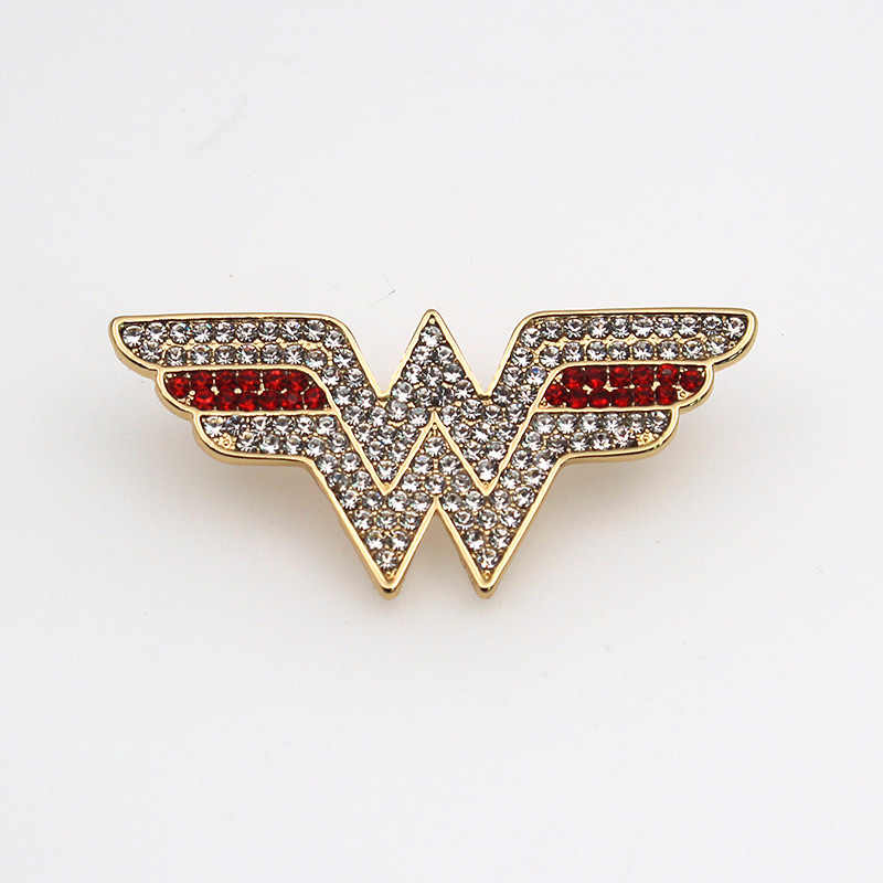 Riverdale W Initial Letter Logo Brooches Pins Crystal Batman Brooch For Men Antique Gold Color Movie Wonder Woman Brooch Jewelry