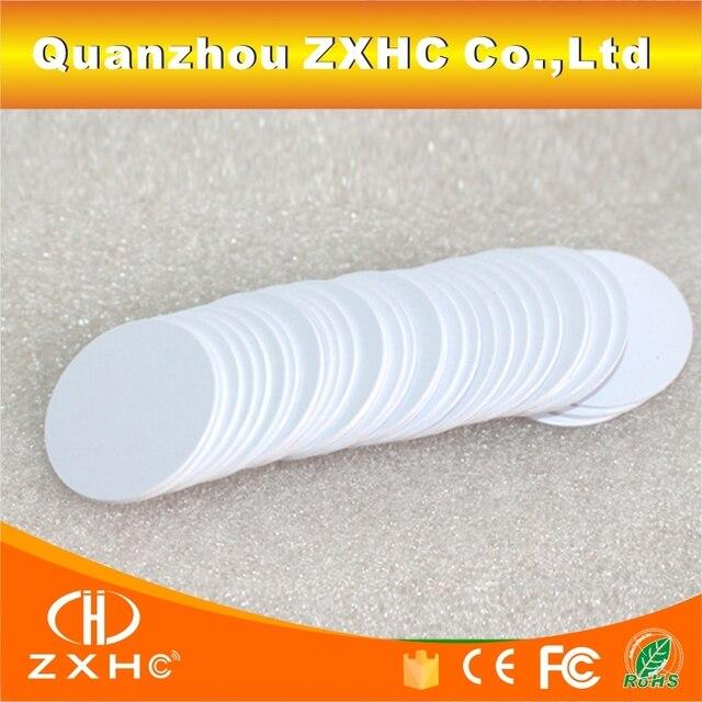(10 개/몫) 25mm ntag216 nfc 태그 원형 모양 코인 카드 프로토콜 iso14443a 모든 nfc 폰용 888 바이트