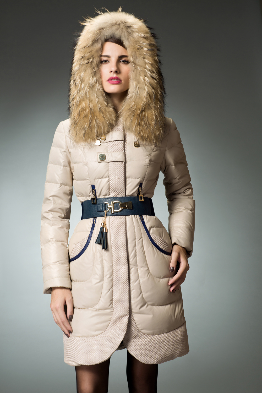 Winter coat fur trimmed hood – Novelties of modern fashion photo blog