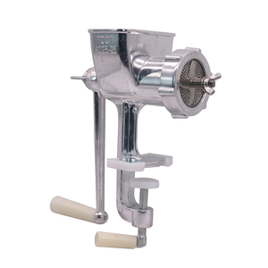 Image 2 - 1 tamanho manual 6/2. 5/2/1.5/1mm da tomada da máquina de processamento da alimentação do conjunto quatro lâminas pet bird hamster animais pequenos processamento da alimentação