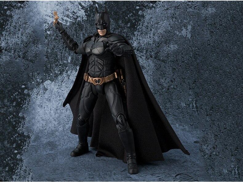 СВЧ S. H. Figuarts Бэтмен Темная ночь подвижная фигурка Коллекционная модель игрушки 15,5 см