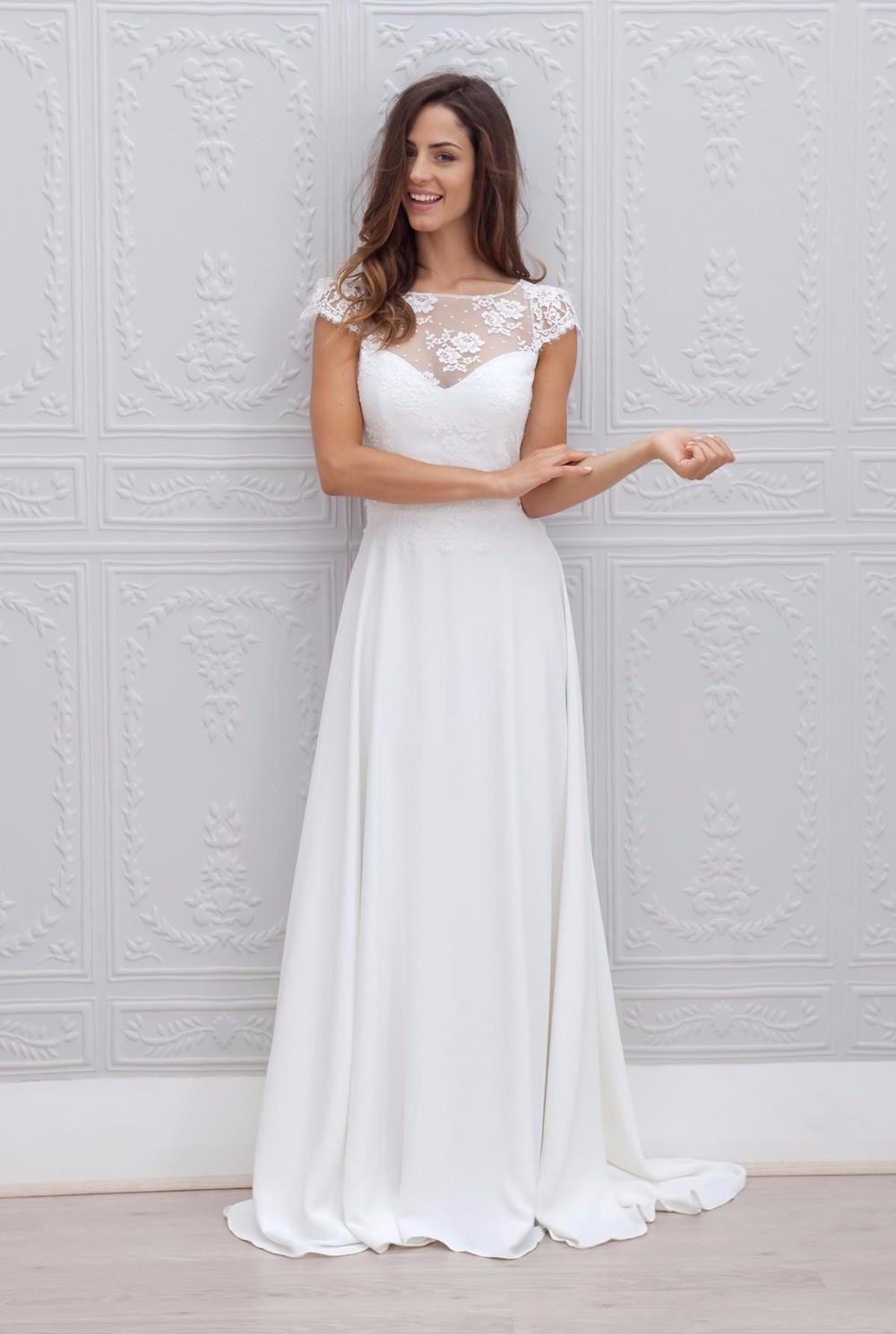 2017 A line Bateau Appliqued vestido de noiva de renda White Long Vintage Bride Dresses With Short Sleeve Beach Wedding Dress 2