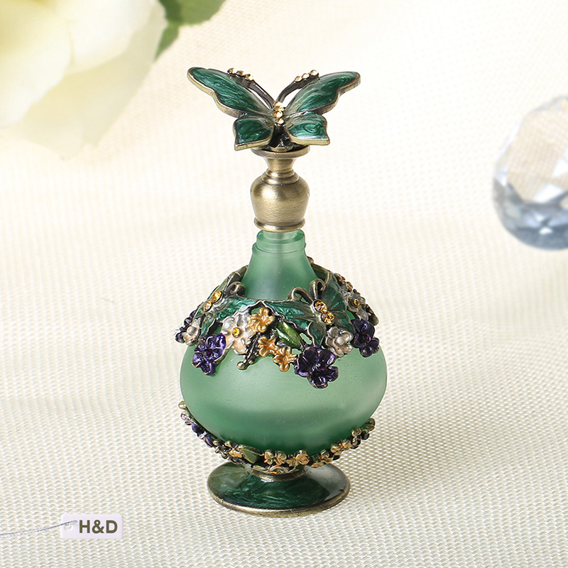 რთველი 24ml Green Retro Graven Metal and Glass Empty Container Refillable Portable Gift Perfume Bottle Home Decoration