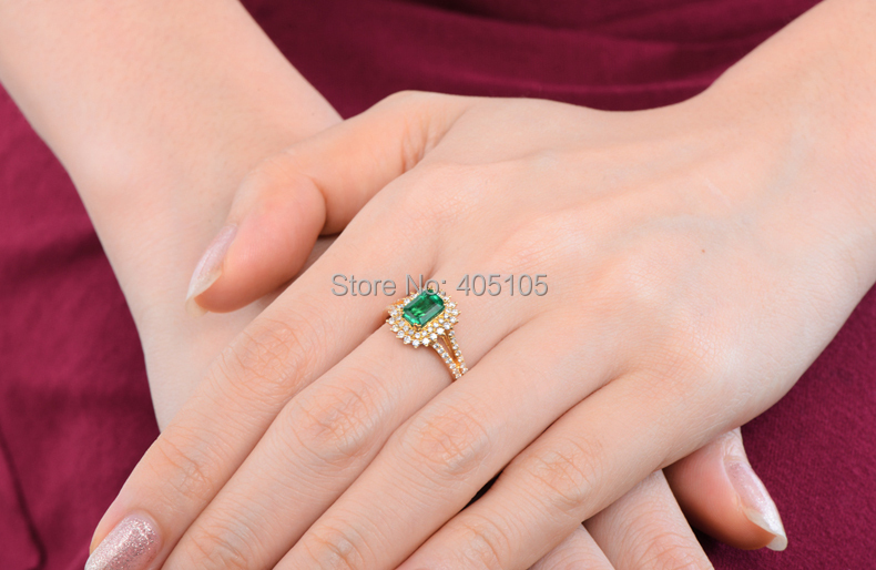 18k Yellow Gold 088ct Colombian Emerald Diamond Engagement Ring