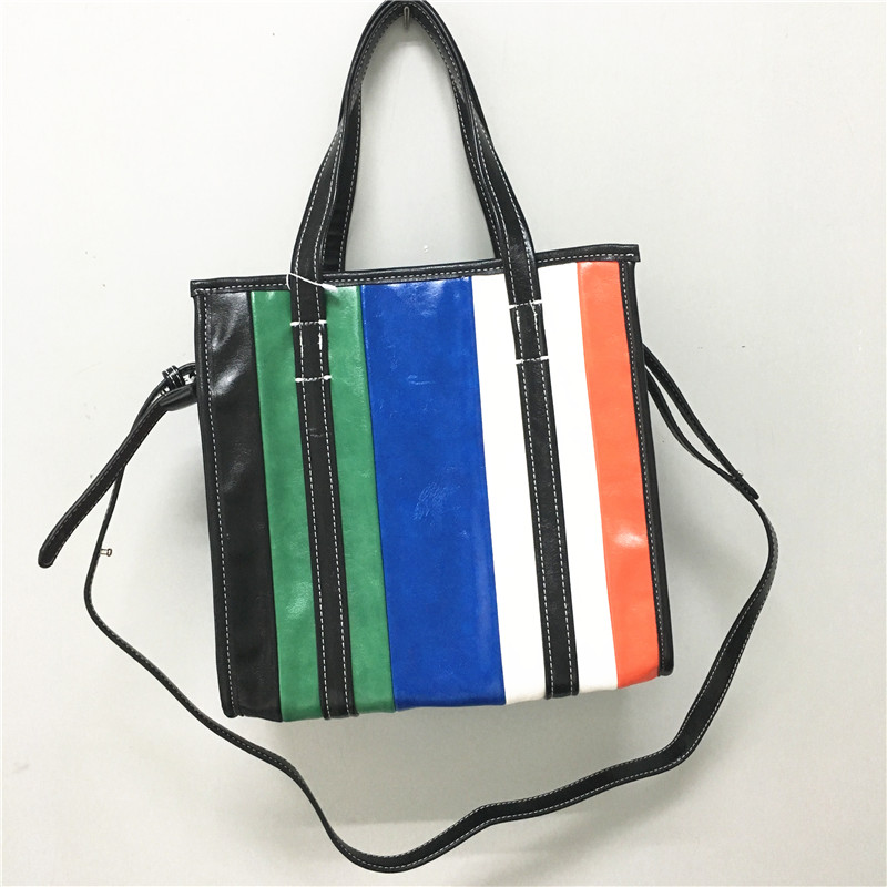 2018 Hot Sale Limited Cell Phone Pocket Spring Street Retro Large Soft Color Stripes And Runway Oil Wax Shoulder Bag Handbag2018 Hot Sale Limited Cell Phone Pocket Spring Street Retro Large Soft Color Stripes And Runway Oil Wax Shoulder Bag Handbag