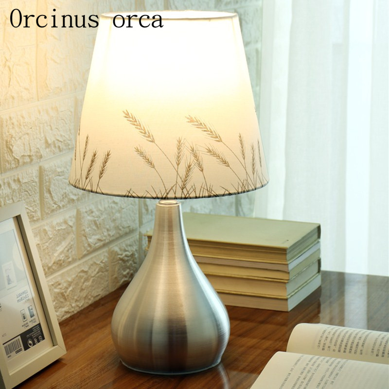 Modern brief desk lamp sitting room study bedroom bedside warmth originality fashionable desk lamp free shipping цена 2017