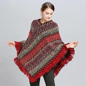 Image 2 - Abrigo mujer poncho capa casaco de inverno feminino ponchos capas morcego pulôver cor listra tricô marca luxo borlas roubou 115
