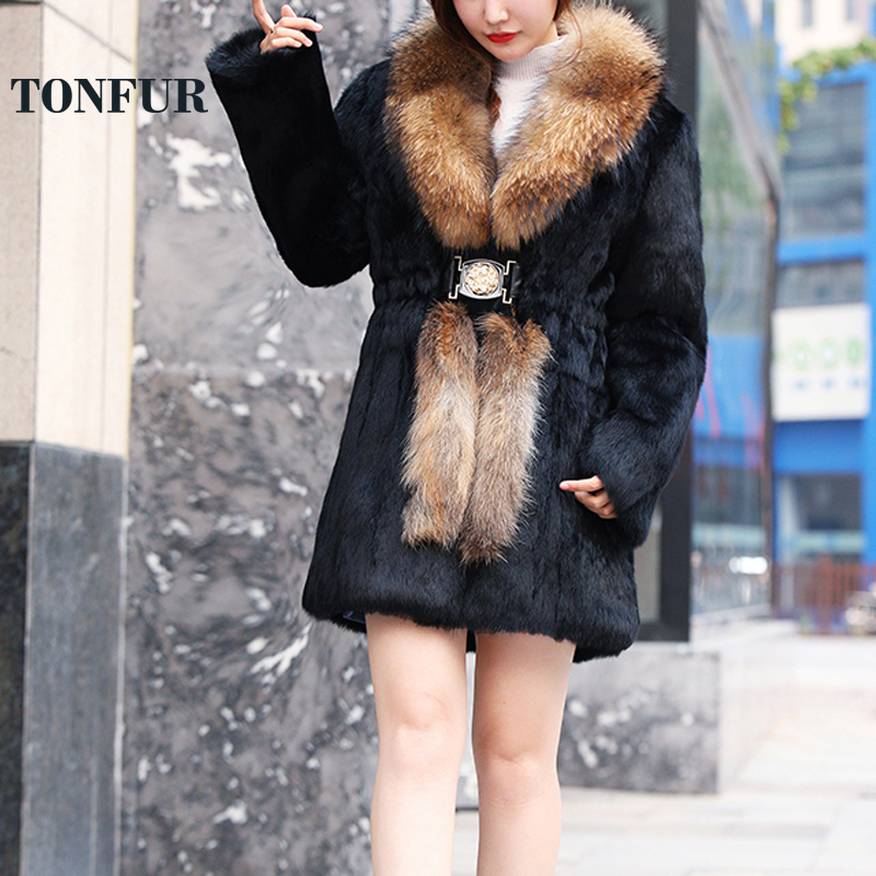 2019 Hot Factory Price High Fashion Classical Style Real Whole Skin Rabbit Fur Overcoat with Big Raccoon Fur Collar Coat WSR118
