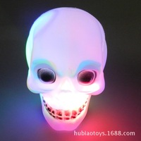 Top Grade New Glowing Plastic Skull Statue Figurine Human Shaped Skeleton Head Demonic Decor Retro Party Decoration Hot Sale