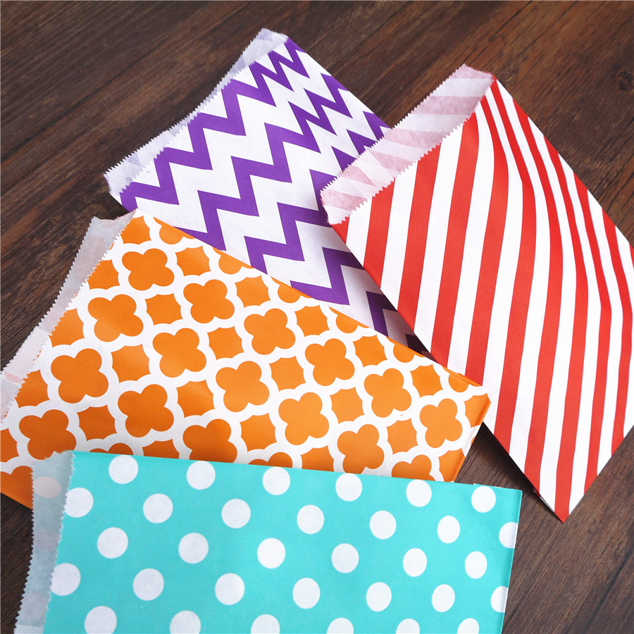 Promotion paper bags 10x15cm mini colorful chevron Treat Craft Paper Popcorn Bags Food Safe Party Favor Paper bags Best Gift Bag