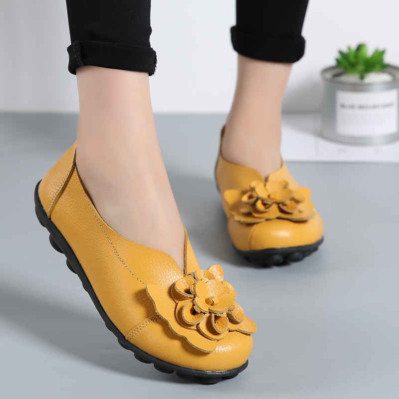 Women Flower Flats Genuine Leather Shoes Moccasins Loafers Fashion Slip On Plus Size Ladies Shoes Elegant Casual Footwear ABT701 camel active 2018 new authentic brand casual men genuine leather loafers shoes handmade moccasins shoes outdoor flats plus size