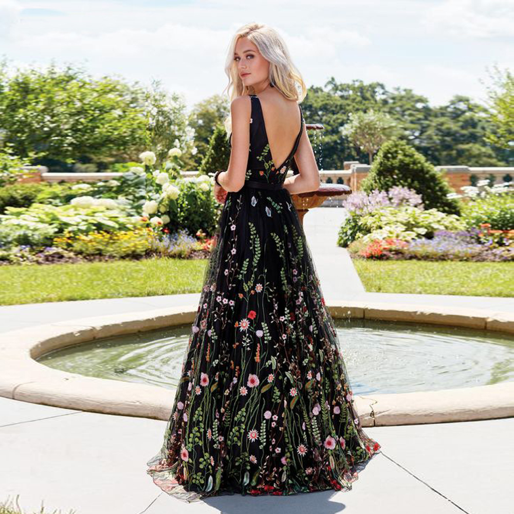 Sexy V-neck Embroidery Long Prom Dresses Black Flowers Formal Dress Women Party Gowns 2019