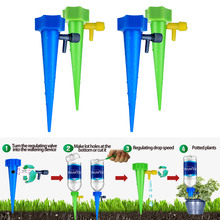 цены 1PCS Random Automatic Watering Of Flowers Plant Micro Drip Irrigation System Automatic Drip Irrigation Bottle Device Controller