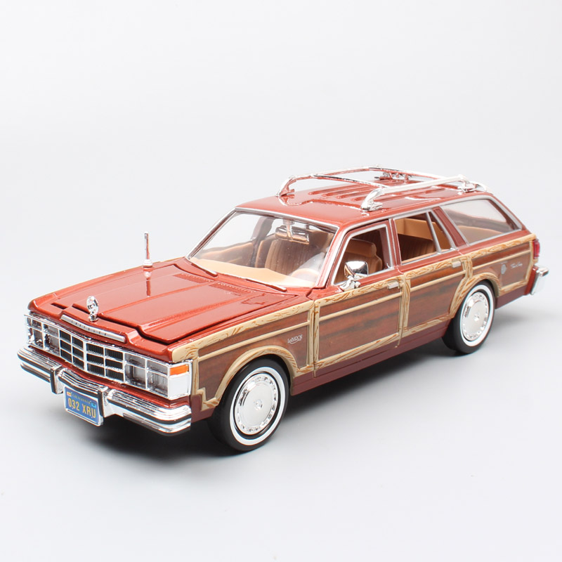 MOTORMAX 1 24 old 1979 Chrysler Imperial Lebaron Town Country woody wagon metal Diecasts Toys Vehicles