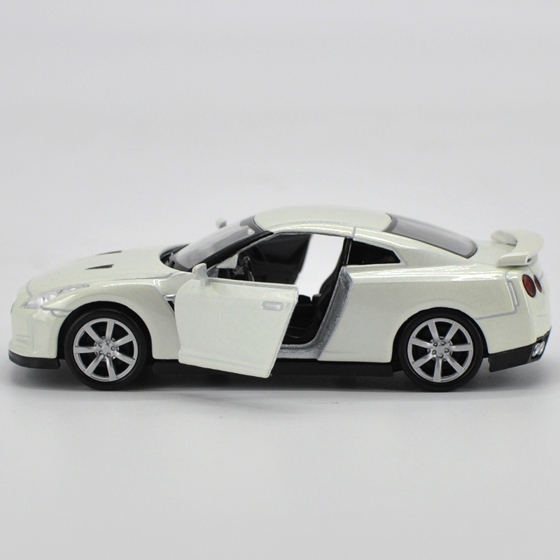 136 scale japan nissan gtr diecast metal car model toy new in box for