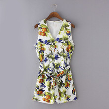 2016 Summer Women Playsuit Sexy V-neck Waist Tie Belt Floral Printed Jumpsuits Rompers Shorts Ladies Casual Playsuits fs067