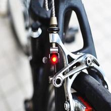 MTB Mini V światło rowerowe hamulca tylne światło rowerowe światło rowerowe led wysokiej jasności wodoodporna lampa akcesoria rowerowe tanie tanio Kierownica Baterii Bike Brake Lights Mini Bicycle Brake Signal Light Bike Tail Rear Light Warning Cycling L Frame XY19043001