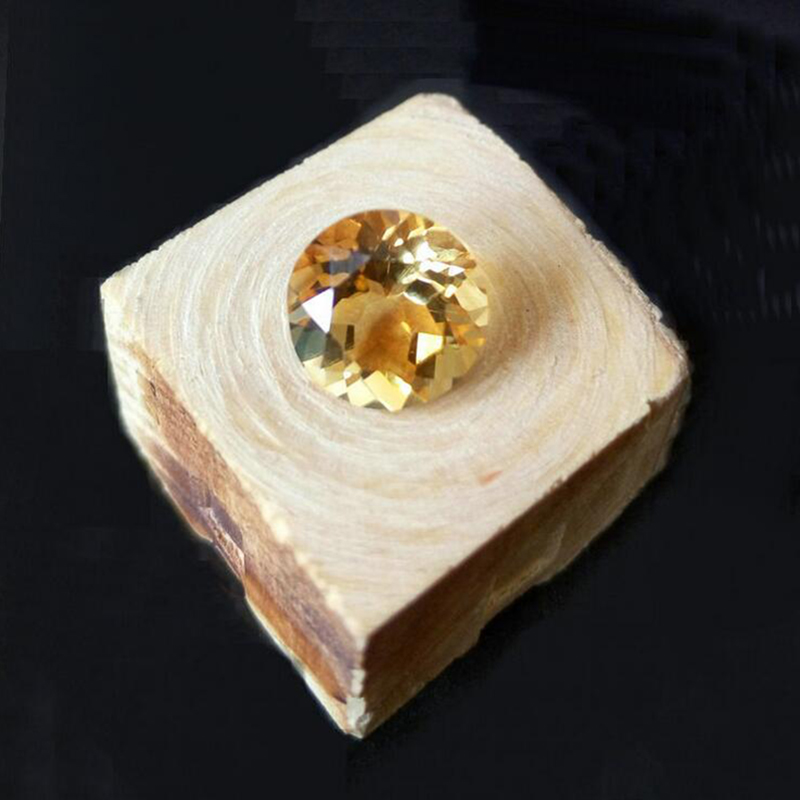купить wholesale price 100% natural citrine loose gemstone 8mm round brilliant cut yellow citrine gemstone по цене 1285.83 рублей