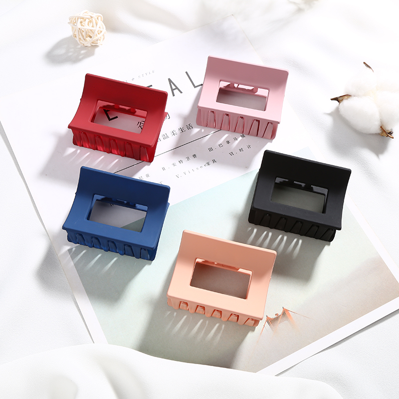 Women Solid Color Large Size Rectangle Acrylic Hair Clip Multiple Colorful Geometry Hair Crab Hair Claws For Girls   Headwear