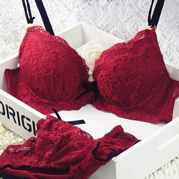 473501fcee New 2018 Sexy Vogue Lace Floral Women Lingerie Set Underwear Set Underwire  Push Up Bra Set For Women W13