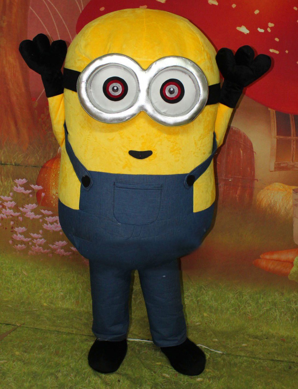 2018 New Hot Selling Movie Character Minion Inflatable Mascot Costume Halloween Party Costume Performance Cartoon Clothing