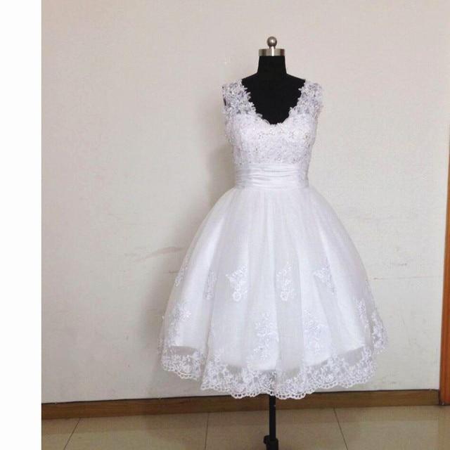 aace4adda20b 2017 Stunning Tea Length Wedding Dresses Vintage V Neck Sleeveless Beaded  Appliques Lace A Line Short