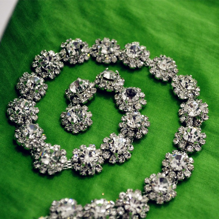 glass crystal wedding dress decorative rhinestone chain 5 yards lot sew on clear fancy stone flower