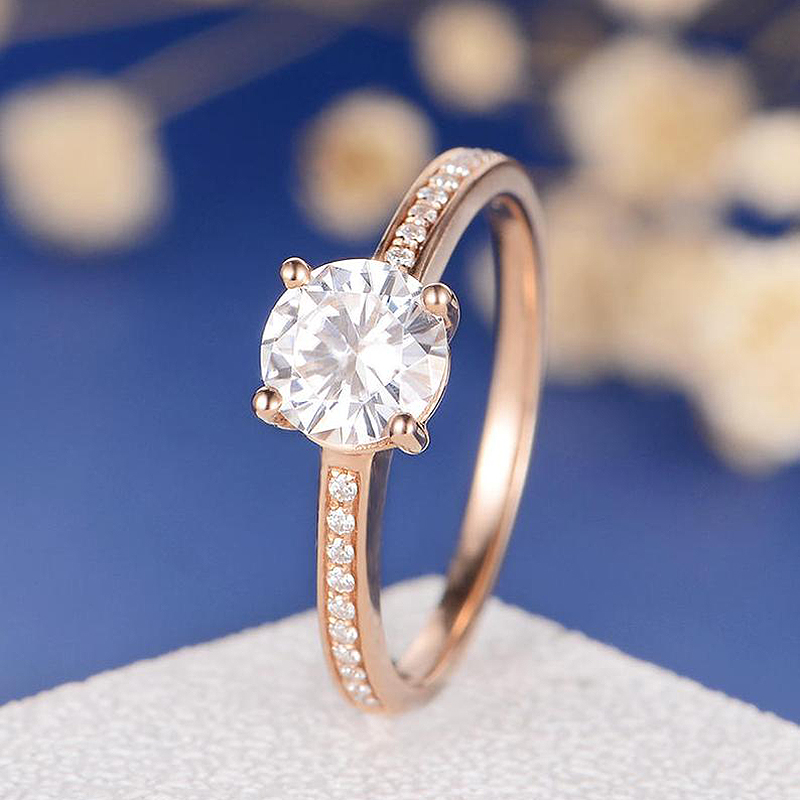 Solid 18K Rose Gold 1ct DF Color Round Cut Moissanite 4 Prong Ring Lab Diamond Wedding Engagement Ring For WomenSolid 18K Rose Gold 1ct DF Color Round Cut Moissanite 4 Prong Ring Lab Diamond Wedding Engagement Ring For Women