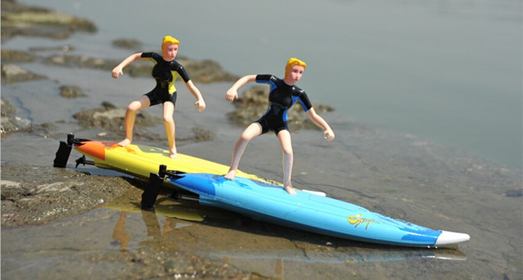 Fast Shipping 2310 RC Surfboard Radio Control High Speed Surf Boat Surf Motion Extreme Sports Surf Team In Water Play for Summer extreme sports surf