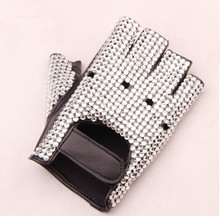 Мужская мода полу-палец вырезать Горный Хрусталь перчатки мужской искусственная кожа хип-хоп танцы производительность перчатки tb181