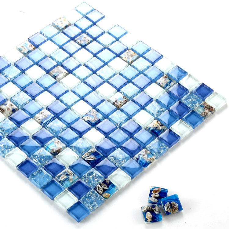 naravna morska lupina v modri stekleni mozaični ploščici 12x12 - Dekor za dom - Fotografija 2