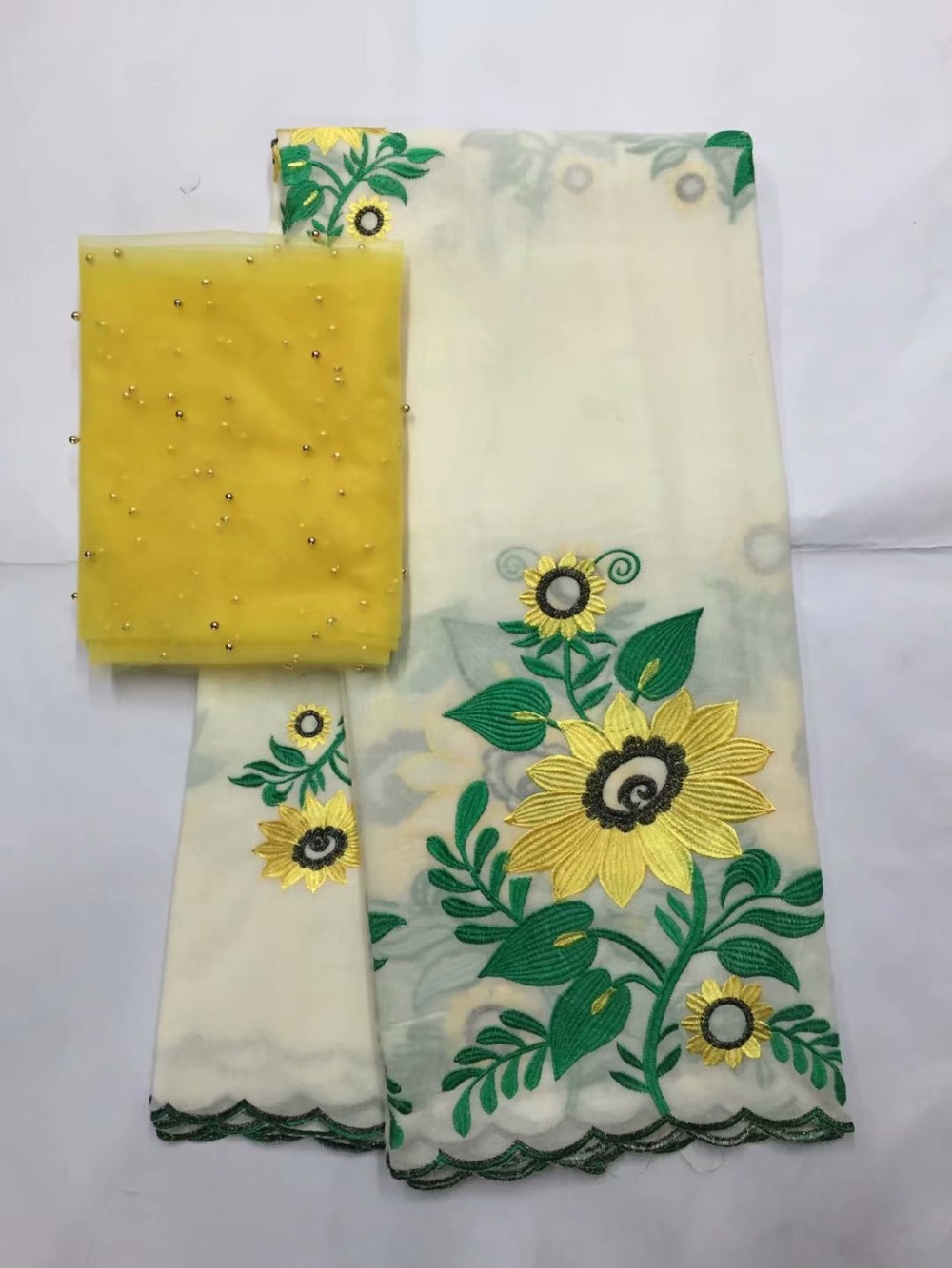 Tissus nigérians pour mariage voile suisse blanc avec broderie 100% coton tissu africain 2019 haute qualité FYD09