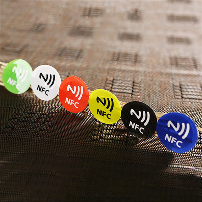 HTB1CRqKXmtYBeNjSspkq6zU8VXaZ NFC Tags Stickers NTAG213 NFC tags RFID adhesive label sticker Universal Lable Ntag213 RFID Tag for all NFC Phones 6pcs/lot