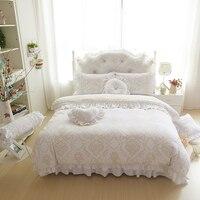 Роскошные белые свадебные постельных принадлежностей принцесса кружева кровать юбка теплый вышитые бархат одеяла король пододеяльник уст