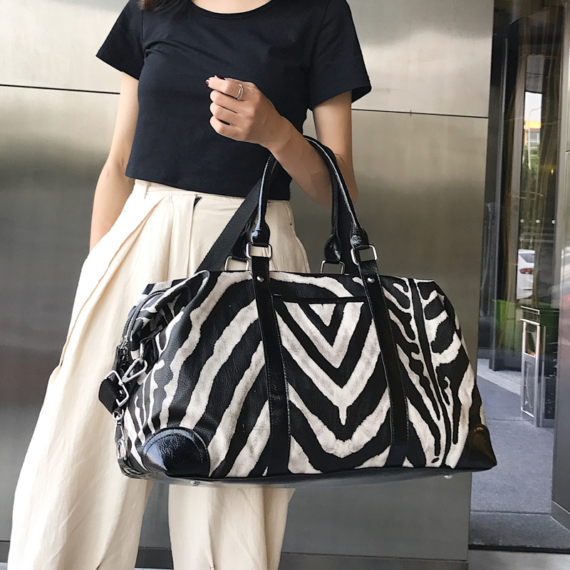 Women PU Leather Travel Bags Men Zebra Pattern Luggage Travel Duffle Bag Waterproof Daily Handbags Soft Shoulder Bolso Deporte
