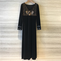 Зимние вышитые элегантные дамские платья длинные черные бархатные платья женские с длинным рукавом модные Подиумные 2018