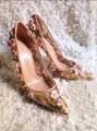 Senhora Primavera Verão Nova Chegada Flor Frisado Sexy Alta-Sapatos Gaze Sapatos de salto alto Saltos Finos Sapatos Femininos Nobres Alta-salto alto Sapatos