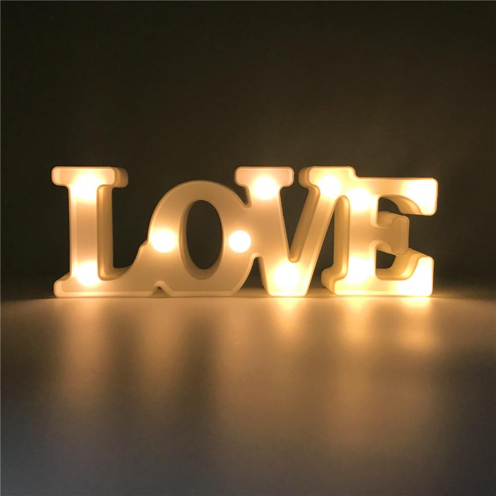 Nyhet Varmhvit 3D Romantisk kjærlighetsform LED Nattlys Innendørs Jul Soverom Hjemmeselskap Bryllupsdekor Valentinsdaggave