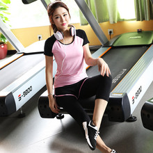 women's sports suits 2 piece set jogging sportwear women Gym clothing sleeves top + 3/4 sport pants yoga crop top fitness sets