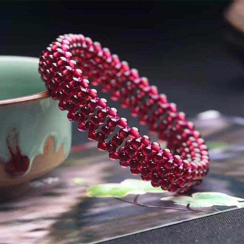 Boutique ทอมือธรรมชาติ GARNET สร้อยข้อมือคริสตัลแฟชั่นผู้หญิงวันเกิดของขวัญจัดส่งฟรี