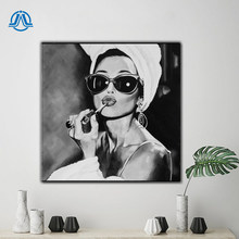 Black and White Photo Art Audrey Hepburn Canvas Painting Nordic Posters And Prints Wall Picture For Living Room Salon Wall Decor
