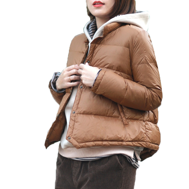 2018 New Autumn Winter Puffer Jacket Women Ultra Light Solid Color Zipper Warm Parka Loose fashion 90 % White Duck Down Coat